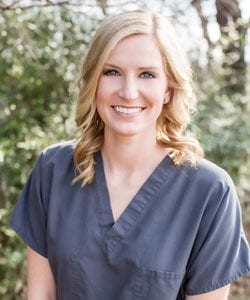 A photo of Decatur dentist Dr. Lauren Wallace of Drake and Wallace Dentistry.